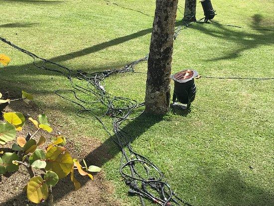 Hotel Transamerica Ilha de Comandatuba: água e fiação elétrica