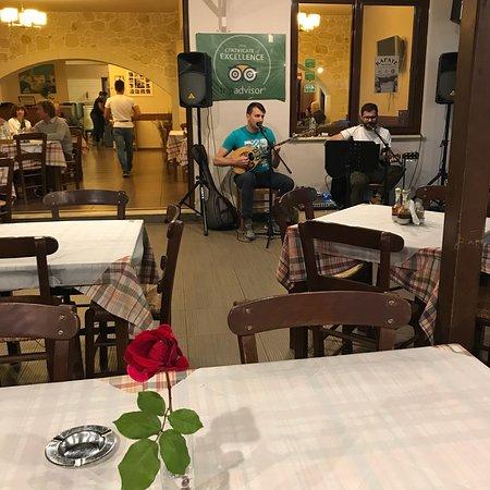 Chorafakia, Grecia: Friday music night!!!❤️💃🎷