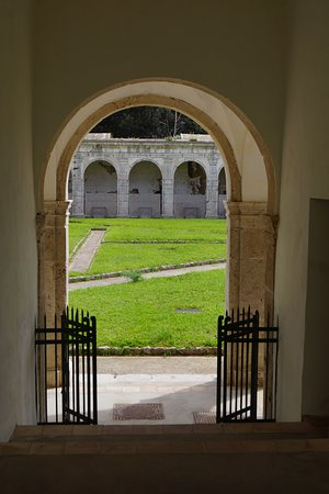La Certosa di San Giacomo: Looking into Courtyard