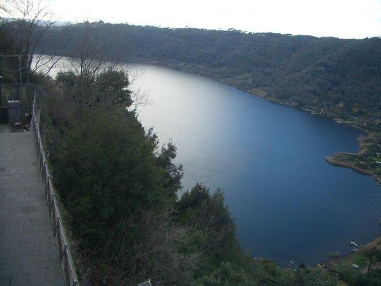 Nemi, Ιταλία: terrazza degli innamorati