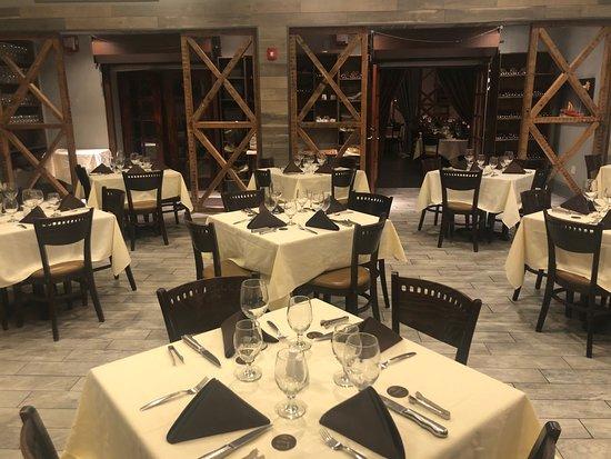 Horsham, PA: Nova room seating, showcasing woodwork