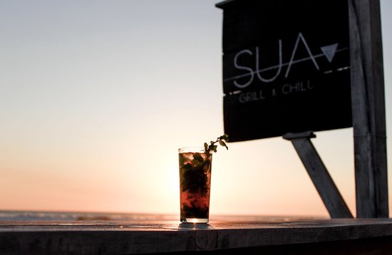 Las Penitas, Nicaragua: Enjoy our sunset with a delicious cocktail...