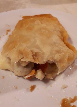 las deliciosas: empanada de queso con ostiones