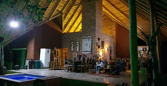 Marloth Park, Sudáfrica: View of lounge.