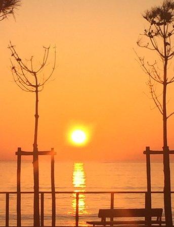 Saint-Michel-Chef-Chef, Francia: coucher de soleil