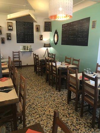 Saint-Michel-Chef-Chef, Francia: salle intérieure