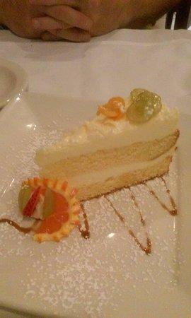 Bunnell, FL: Lemon cake