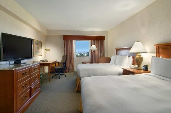 Hilton Tucson East: Guest room