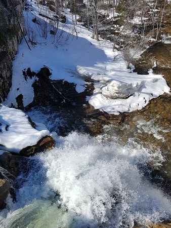Walters Falls, Canada: 20180420_153609_large.jpg
