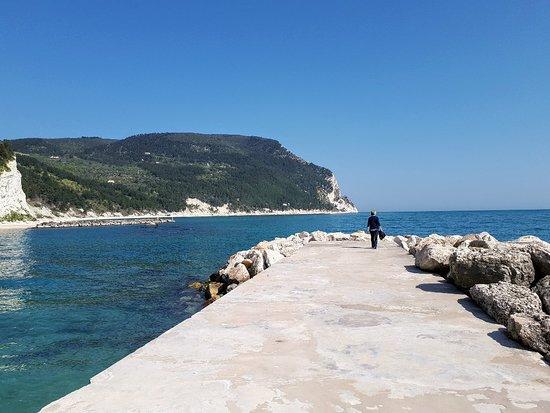 Marche, อิตาลี: Le spiagge di Sirolo