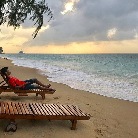 Swiss Cottage Tioman Relaxing At The Beach