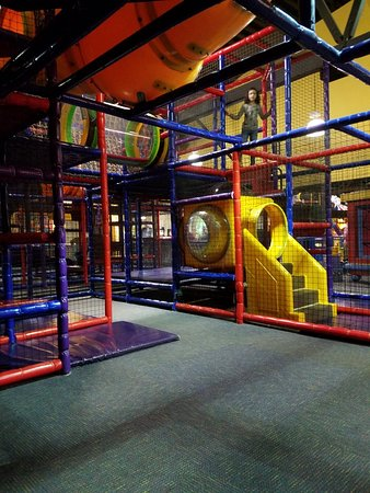 Appleton, WI: Kids playground area