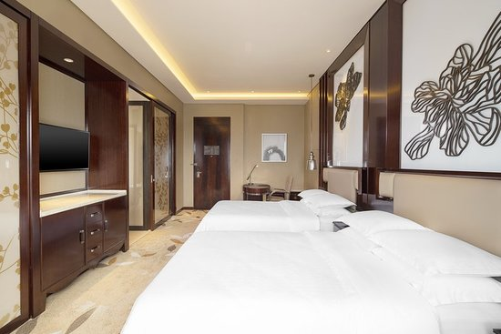 Changde, China: Guest room