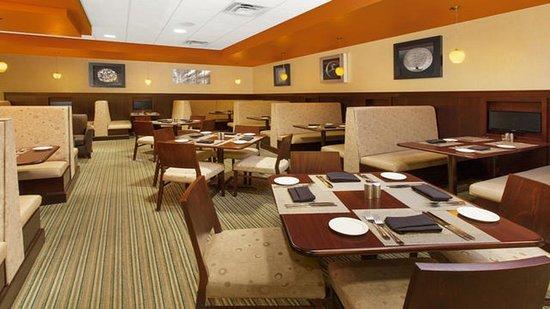 Holiday Inn Gurnee Convention Center: Restaurant