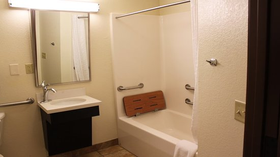 Candlewood Suites: Guest room