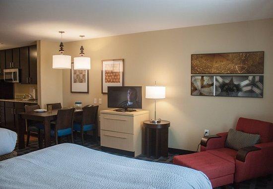 Port Arthur, TX: Guest room