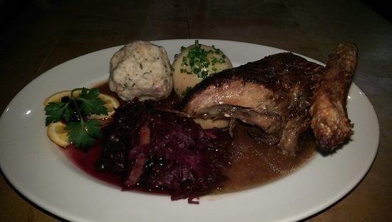 Vilshofen, Germany: Ente mit Blaukraut