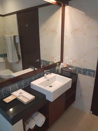 Puri Mesari Hotel & Suites: 20180412_172348_large.jpg