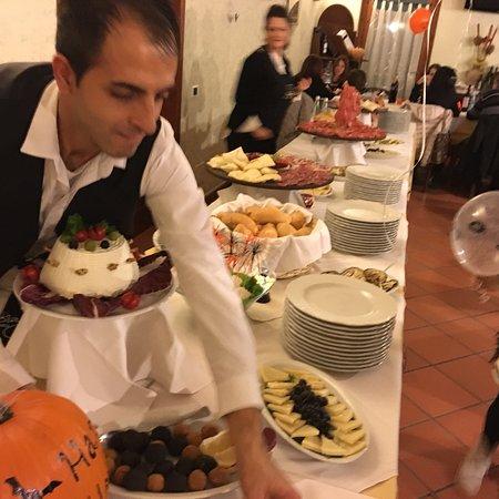 Sant'Omero, Italy: taverna dei golosi