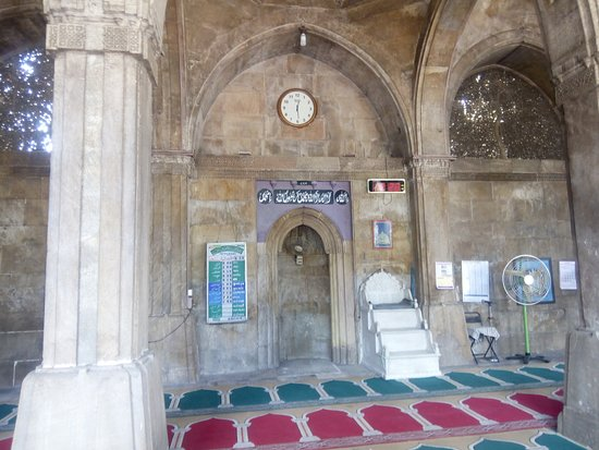 Sidi Saiyed's Mosque: Prayer place