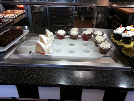 Algonquin, IL: cupcakes and more