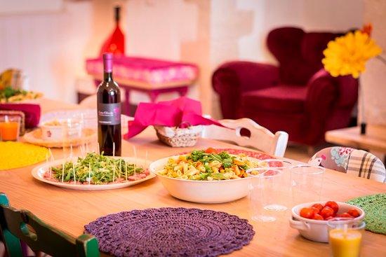 Cantine Colavecchio: Degustazione di vini, un primo e di prelibatezze locali