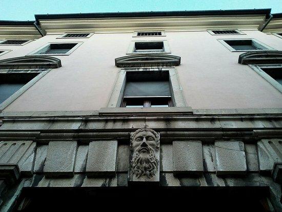 Palazzo Lovaria