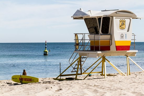 Cottesloe, Australia: Eat your heart out Bondi. In the distance you can see the last of the jetty pilons