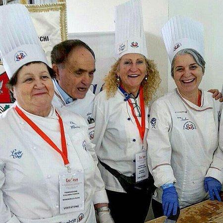 Paciano, Italie : 29° Congresso Nazionale della federazione italiana cuochi in qualità di ladchef dell' Umbria