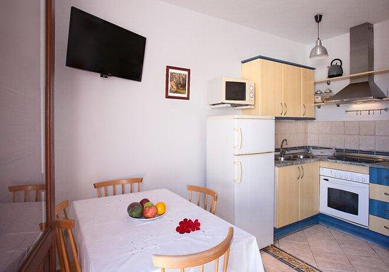 Cocina comedor Casa de la Buganvilla - Picture of Casa Faldas del ...