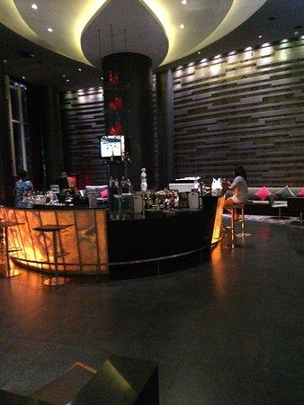 Racha Thewa, Thailand: Bar