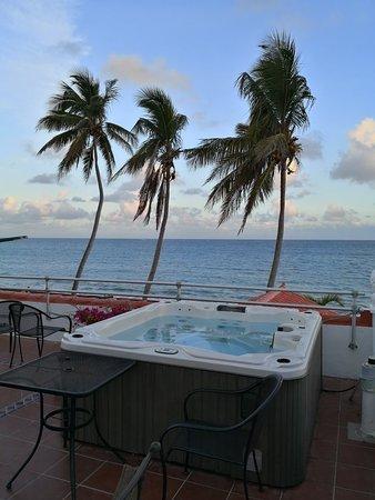 Tres Palmas Inn: IMG_20180410_062724_large.jpg