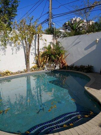 Tres Palmas Inn: IMG_20180409_162946_large.jpg