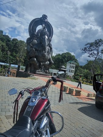 VTwin Holidays: En-route to Thekkady
