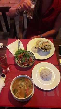 Lilypop Restaurant: 20180421_185019_large.jpg
