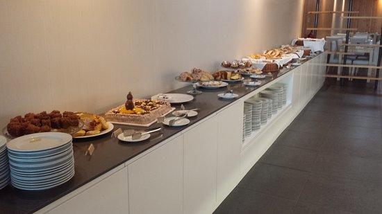 Fenais da Luz, Portugal: Pequeno almoço
