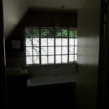 Henley on Klip, Afrique du Sud : Large bathroom with shower