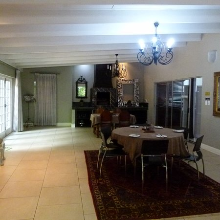 Henley on Klip, South Africa: Plenty of seating in the dining room