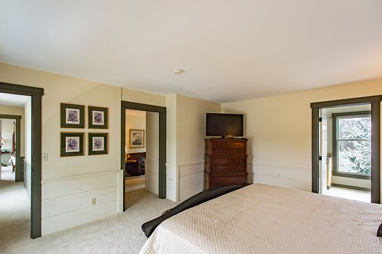 Granville, OH: Lexington Suite