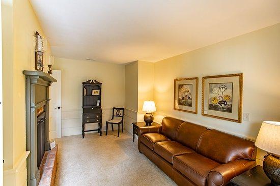 Granville, OH: Lexington Suite