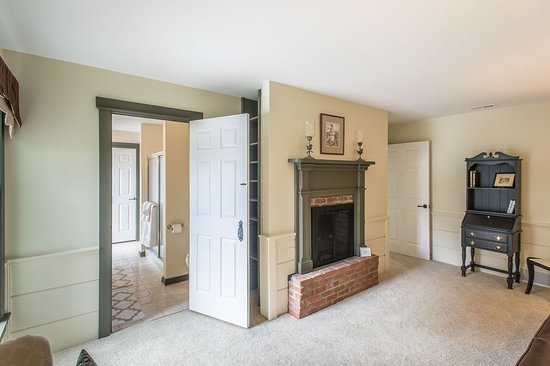 Granville, OH: Lexington Suite Sitting Area