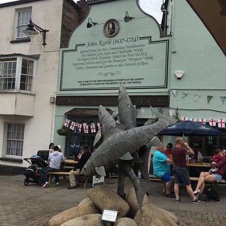 Man of Ross Inn Photo