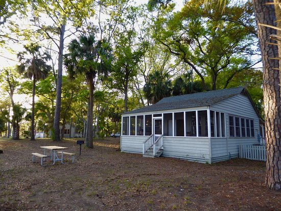 Edisto Beach State Park The Six Cabins Have Two Double Beds And A Couch