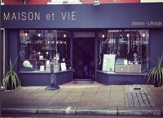 Maison et Vie ( formerly called Tooth & Claw) Middle Street Brixham