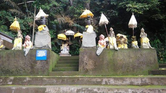 Kubutambahan, Индонезия: Pura Bukit Sinunggal