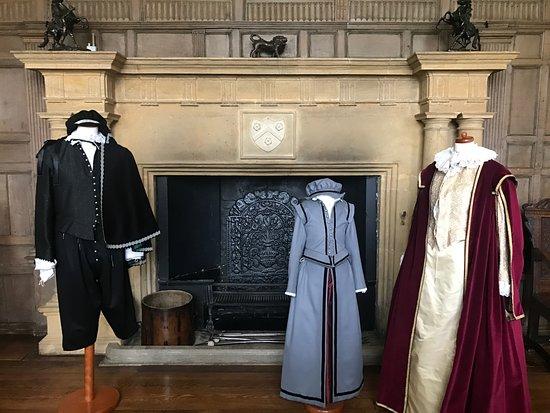 Montacute, UK: Montacute House - Noble Dress