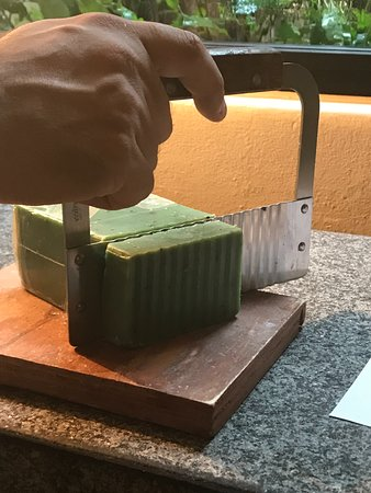 Viceroy Riviera Maya: Kiwi soap freshly cut on room arrival.