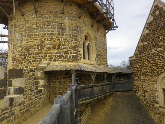 le chateau dans son ensemble - Picture of Chantier Medieval de ...