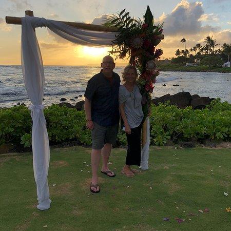 Sheraton Kauai Resort: Evening on the grounds of Sheraton