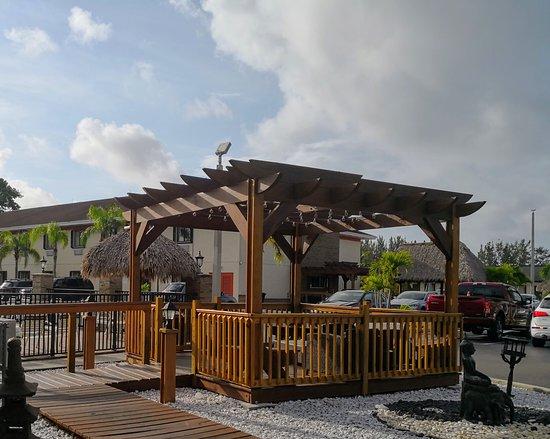 Florida City, FL: Outside rest area